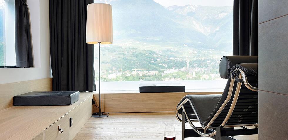 Moderne zimmer und suiten des hotel pazeider in s dtirol for Modernes wellnesshotel